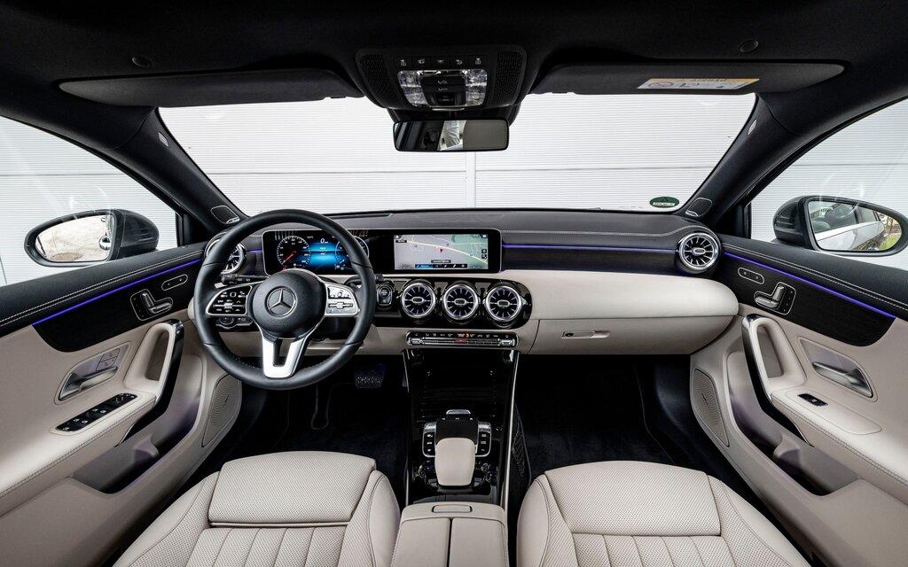 333536_2019_Mercedes-Benz_A-Class